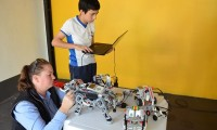 Robótica faz sucesso na Fenii