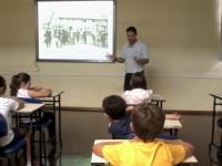 Conversa sensibiliza para estudar a história da escola